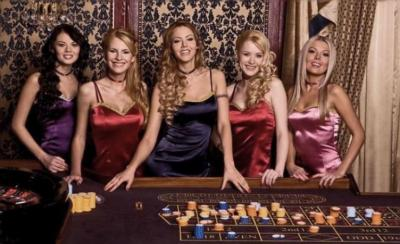 casino dealers roulette table
